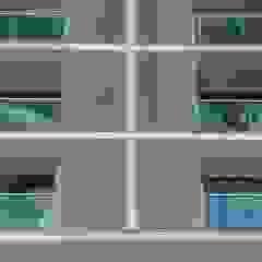 ZAAV-Edifício Residencial-1120 Portas e janelas minimalistas por ZAAV Arquitetura Minimalista