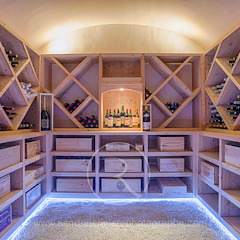 Country style wine cellar by Sandrine RIVIERE Photographie Country