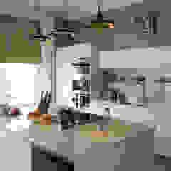Kitchen by ABN7 Architects Сучасний