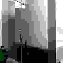 Ванная комната в стиле модерн от Remy Meijers Interieurarchitectuur Модерн