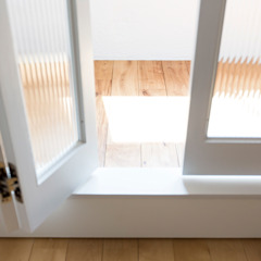 โดย 建築設計事務所 可児公一植美雪/KANIUE ARCHITECTS ผสมผสาน ไม้ Wood effect
