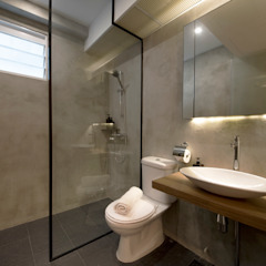 Compassvale Ancilla Industrial style bathroom by Eightytwo Pte Ltd Industrial