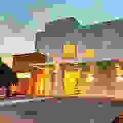 Casas modernas de Renato Lincoln - Studio de Arquitetura Moderno