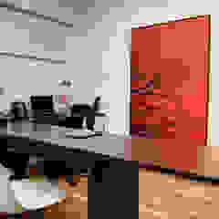 Oficinas de estilo moderno de Renato Lincoln - Studio de Arquitetura Moderno