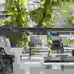 Modern Terrace by Cadore Arquitetura Modern