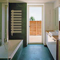 Modern bathroom by Abendroth Architekten Modern