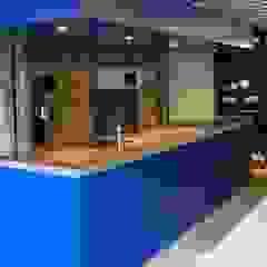 Kitchen 'blue'/ keuken 'spa blauw' Industriële keukens van Blok Meubel Industrieel