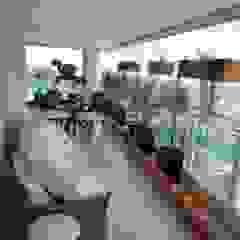 ArkDek Eclectic style balcony, porch & terrace