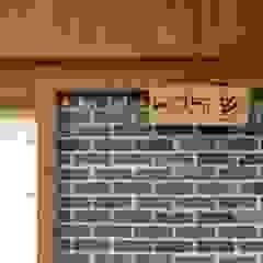 문턱이 닳는 집 VOL04당림리공방주택 아시아스타일 창문 & 문 by a0100z space design 한옥
