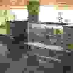 Water Features & Fountains من Water Garden Ltd كلاسيكي