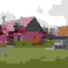 Dom na wsi Wiejski garaż od Piekarek Projekt-Paweł Piekarek Wiejski