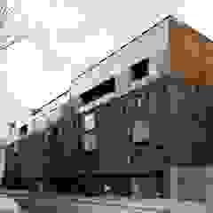 Kulturmanufaktur, Berlin, Germany od Easst.com Minimalistyczny