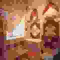 Eclectic style bathroom by Студия дизайна интерьера 'Золотое сечение' Eclectic Ceramic