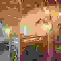 by Студия дизайна интерьера 'Золотое сечение' Country Wood Wood effect