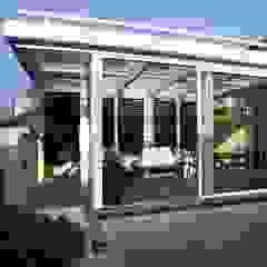 minimalist style balcony, porch & terrace by luca bianchi architetto Minimalist