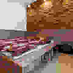 I_004 Skandynawskie ściany i podłogi od SNCE Studio Skandynawski