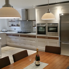 walnut drawers Country style kitchen by Place Design Kitchens and Interiors Country