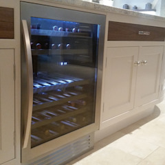 Wine chiller: country  by Place Design Kitchens and Interiors, Country