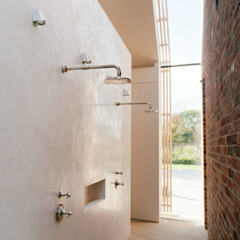 Aylesbury pool room Minimalist style bathrooms by Decor Tadelakt Minimalist