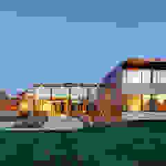 Sam's Creek Maisons modernes par MIDE architetti Moderne