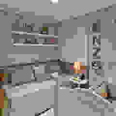 IE Arquitetura + Interiores Modern nursery/kids room