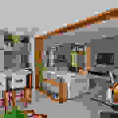 IE Arquitetura + Interiores Modern balcony, veranda & terrace