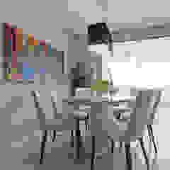 IE Arquitetura + Interiores Modern dining room