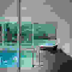 Park Villa Moderne Pools von Corneille Uedingslohmann Architekten Modern