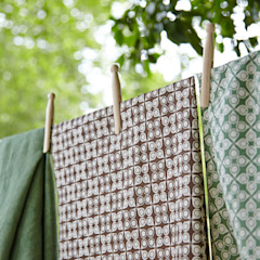 Cotton and linen hand screen printed fabrics por akin & suri Escandinavo