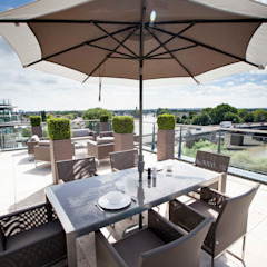 Kew Roof Terrace من Cameron Landscapes and Gardens تبسيطي