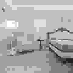 Kamar Tidur Klasik Oleh pashchak design Klasik
