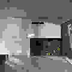 Lake Cabin Interior Minimalist walls & floors by indiawhiteley Minimalist