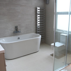House in Tooting Bolans Architects BathroomBathtubs & showers