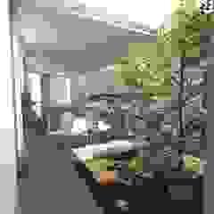 Minimalist style garden by gk architetti (Carlo Andrea Gorelli+Keiko Kondo) Minimalist