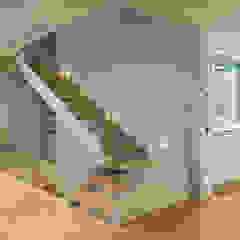 Couloir, entrée, escaliers modernes par Jorge Belloch interiorismo Moderne