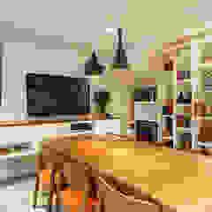 _IN Panamby Salas multimídia modernas por ARQ_IN Moderno