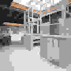 WONING EN ATELIER VOOR SUKHA AMSTERDAM Eclectische badkamers van Architectenbureau Vroom Eclectisch