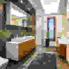 Eclectic style bathroom by Viva Design - projektowanie wnętrz Eclectic