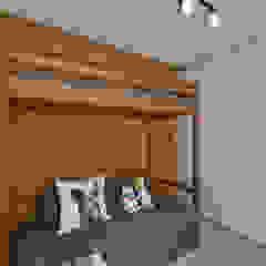 Apartamento Publicitária Quartos modernos por Johnny Thomsen Arquitetura e Design Moderno