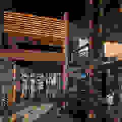 Название Eclectic style balcony, veranda & terrace