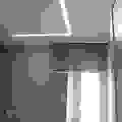 modern  von Laura Canonico Architetto, Modern