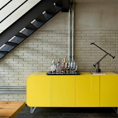 Industrial style corridor, hallway and stairs by DIEGO REVOLLO ARQUITETURA S/S LTDA. Industrial