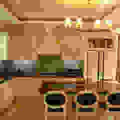 Интерьер дома в пригороде Черкасс Кухни в эклектичном стиле от дизайн-студия Олеси Середы Эклектичный