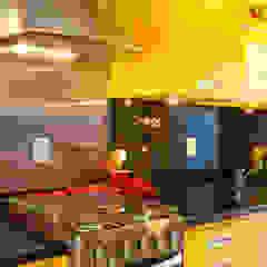 Modern kitchen by Asenne Arquitetura Modern