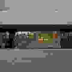 Casas modernas de Marcos Bertoldi Moderno