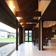 Country style corridor, hallway& stairs by STUDIO POH Country