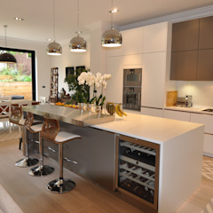 Credition Hill - Hampstead, London NW3 Hampstead Kitchens KitchenCabinets & shelves