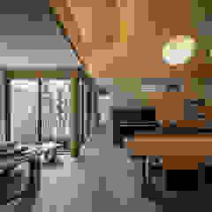 それぞれの庭の家 和風デザインの リビング の 株式会社seki.design 和風