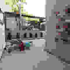 CASA MP Corredores, halls e escadas campestres por Mutabile Campestre