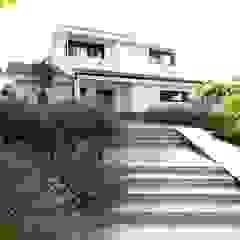 Vườn phong cách Địa Trung Hải bởi Estudio de paisajismo 2R PAISAJE Địa Trung Hải